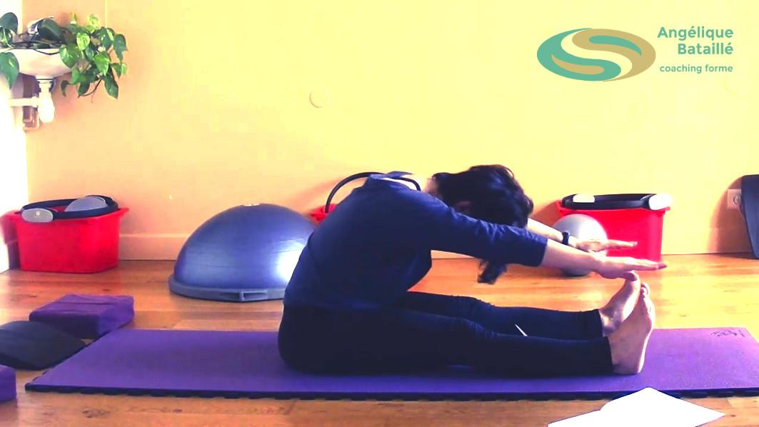 Exercice pilates - Le spine stretch